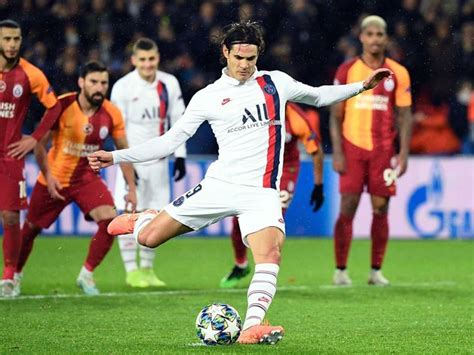 Chelsea Enquire About Unsettled PSG Striker Edinson Cavani