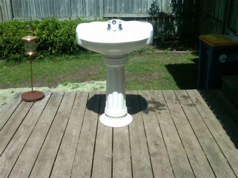 Glacier Bay Pedestal Sink Aragon by Glacier Bay Bathroom Pedestal Sink 80 Bathroom Ideas