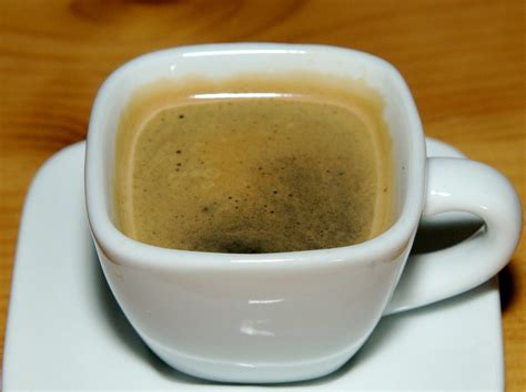 Betty Crapper: Giveaway, Stovetop Espresso Maker & Cuban Coffee