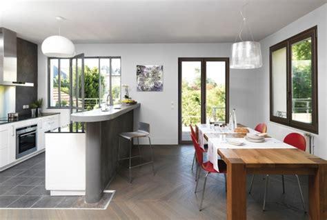 cuisine avec porte fenetre fenêtre alu fenêtre pvc ou fenêtre en bois