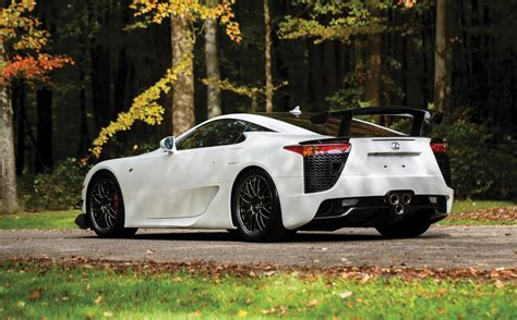 lexus lfa nuerburgring sells  auction   lexus