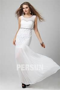 robe blanche dentelle sirene ornee de bijoux mousseline With robe de mariée dentelle avec parure bijoux soirée