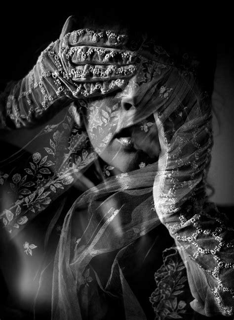 portrait  lace black  white kirsty