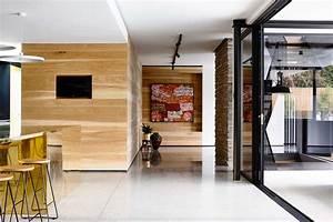 Maison Contemporaine En B U00e9ton Brut Avec Fresque Murale Peinte