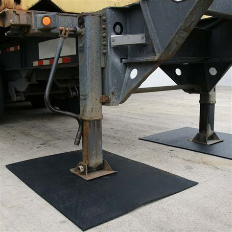 """""""Maxx Tuff"""" Heavy Duty Mats   The Rubber Flooring Experts"""