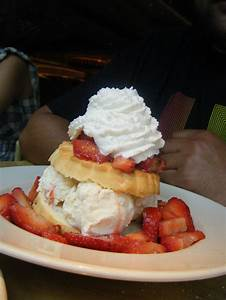 Cheesecake factory Strawberry Shortcake. | Yummy Foods ...