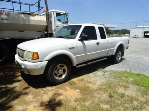Purchase used 2001 White Ford Ranger 4x4 Pickup Truck One