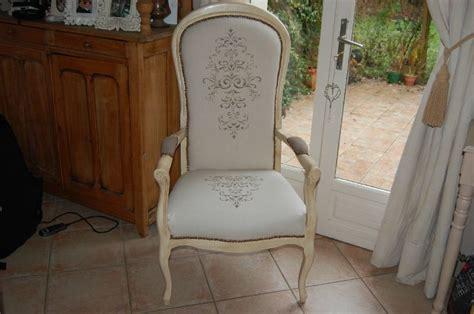 bon fauteuil voltaire maison du monde 10 fauteuil voltaire beige tissu rayures meubles et