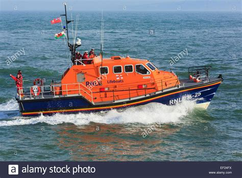 Rnli lifeboat crew stock  lifeboat crew stock images 1300 x 956 · jpeg