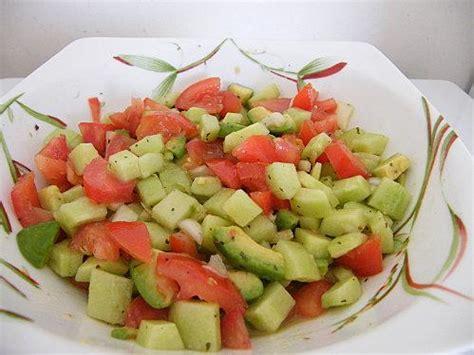 salade de tomates concombre et avocat paperblog