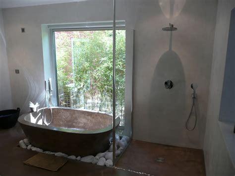 2011 salle de bain baignoire en b 233 ton cir 233 chaux sur murs de chambre modern bathroom