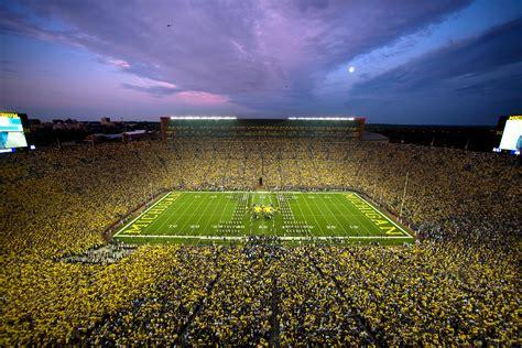 25+ U Of Michigan Football  News