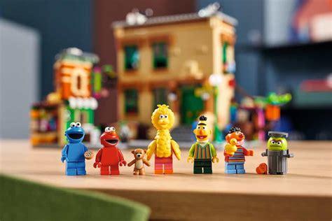 legos   sesame street set  spectacular nerdist