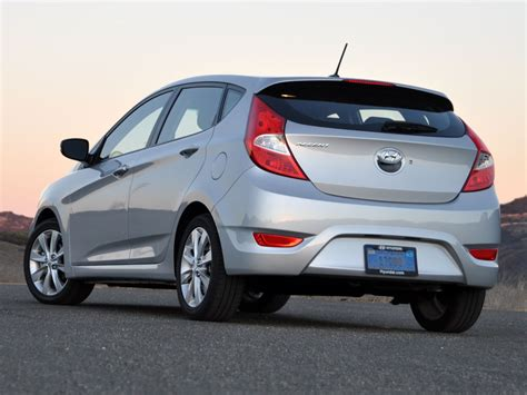 2013 Hyundai Accent Hatchback by 2013 Hyundai Accent Test Drive Review Cargurus