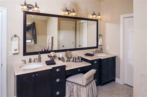 bureau maquilleuse meuble vasque 50 idées aménagement salle de bain