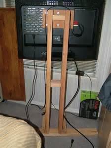 DIY Flat Screen TV Stand Mount