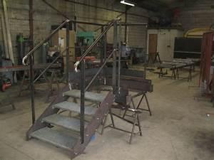 Escalier 4 Marches : fabrication d 39 un escalier m tallique 4 marches avec palier et garde corps usine saint jean ~ Melissatoandfro.com Idées de Décoration
