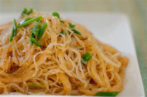 how to cook mung bean noodles stir fried mung bean noodles with vegetarian pork