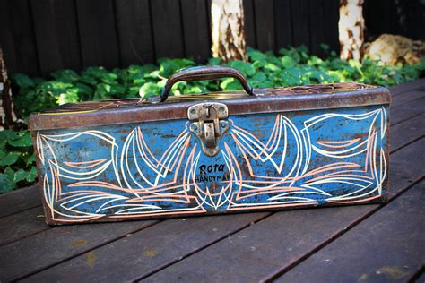 pinstriping vintage toolbox  airbrush