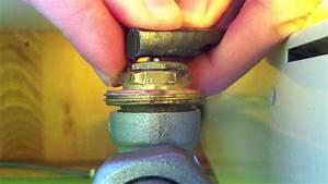 Vanne Thermostatique Pour Radiateur Fonte : d bloquer un robinet de radiateur astuce radiateur youtube ~ Premium-room.com Idées de Décoration