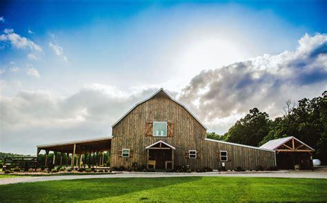 gambrel barn wedding ceremony reception venue missouri springfield branson joplin