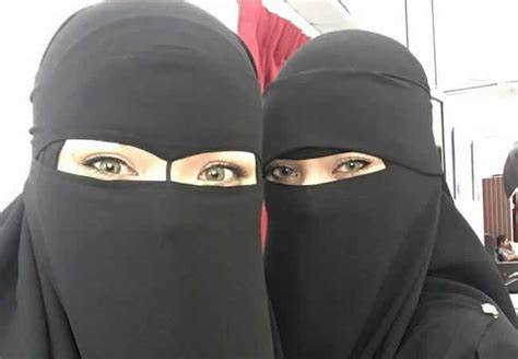 university restores niqab   criticisms greeted