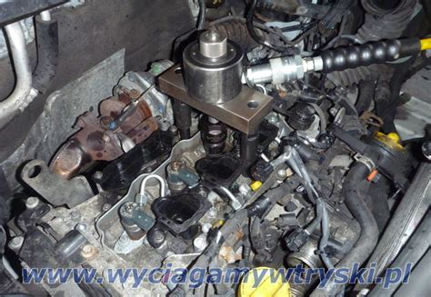 Seized Injectors Removals From Diesel Engines With Common