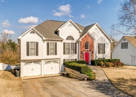 Renters insurance premiums vary, but dallas residents typically pay between $15 to $25 a month for a standard policy that includes $40,000 in. 120 Saddle Brooke Farms Dr NW, Dallas, GA 30132. 5 bed, 3 bath, $225,000. Very well maintained ...