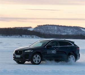 Land Rover Jaguar : jaguar land rover ice academy ~ Medecine-chirurgie-esthetiques.com Avis de Voitures