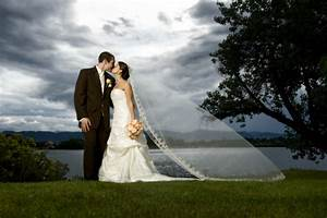 Wedding portraits after the wedding ceremony but before for Good wedding photographers