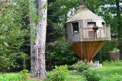 chambre d hote cabane dans les arbres cabane dans les arbres arbonne la foret seine et marne