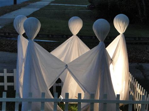 90 cool outdoor decorating ideas 125 cool outdoor halloween decorating ideas digsdigs