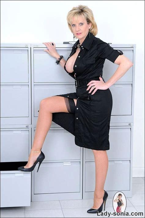 Lady Sonia In Black Stockings L Ideas Pinterest