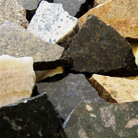 the difference between marble and granite countertops