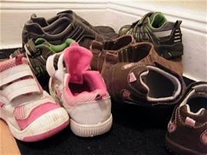 Schuhe Aufbewahren Ideen : schuhe platzsparend aufbewahren onlinemagazin rund um haushalt gesundheit und familie ~ Markanthonyermac.com Haus und Dekorationen
