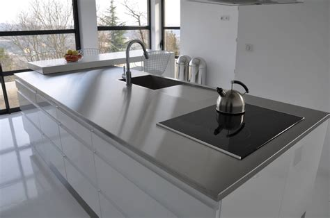 plaque cuisine inox plaque inox brosse pour cuisine maison design bahbe com