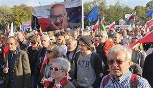 Thousands march in latest anti-govt protest in Poland ...