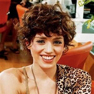 Cheveux Court Bouclé Femme : coupe courte boucl e ~ Louise-bijoux.com Idées de Décoration