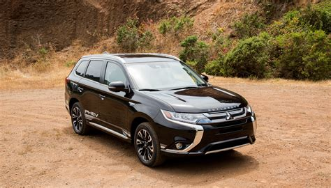 Mitsubishi Photo by Mitsubishi S Outlander In Hybrid Is An Understated