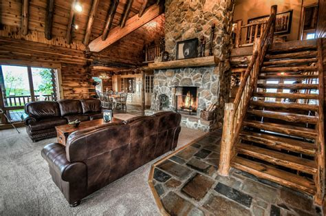 Coshocton Crest Lodge Amenities & Features   Log Cabin