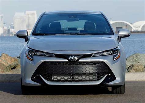 2019 Toyota Corolla kamuflajdan çıktı, ilk kez kendini ...