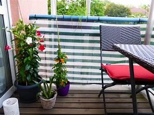 Balkongestaltung Kleiner Balkon : balkon gestalten tipps und tricks ~ Frokenaadalensverden.com Haus und Dekorationen
