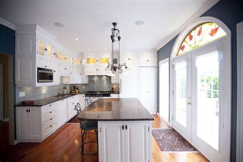 amalgame cuisine maison de ville de 5500 pieds carrés dans laurent