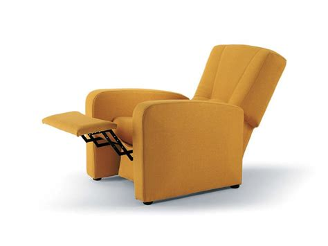 Poltrona Lucrezia Pesaro : Manual Global Relax Armchair, Reclining