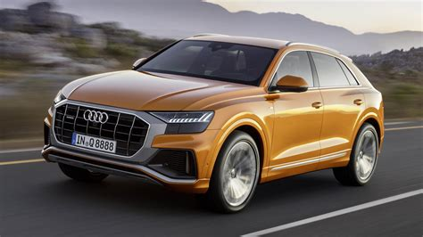 this is the brand new audi q8 top gear