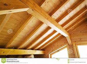 Toit En Bois : plafond en bois de toit photo stock image du mat riau ~ Melissatoandfro.com Idées de Décoration