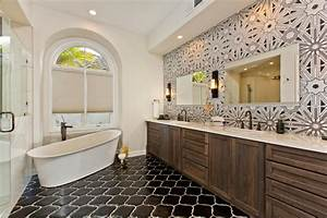 Master Bathrooms | HGTV