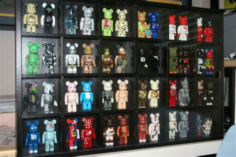 bearbrick display idea toy collection display kaws toys toy display