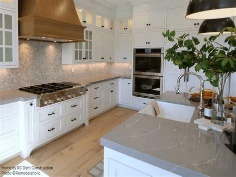 remodelaholic    traditional farmhouse kitchen