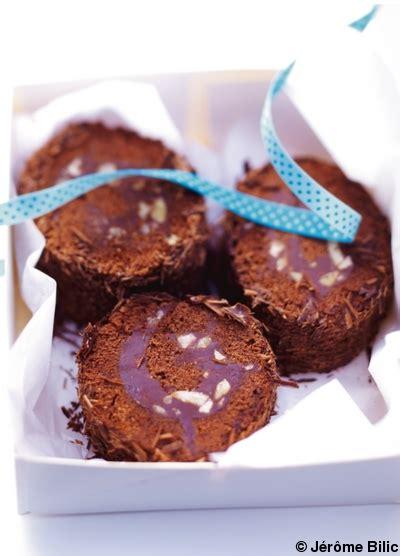 hervé cuisine buche marron bûche marron chocolat pour 6 personnes recettes à table